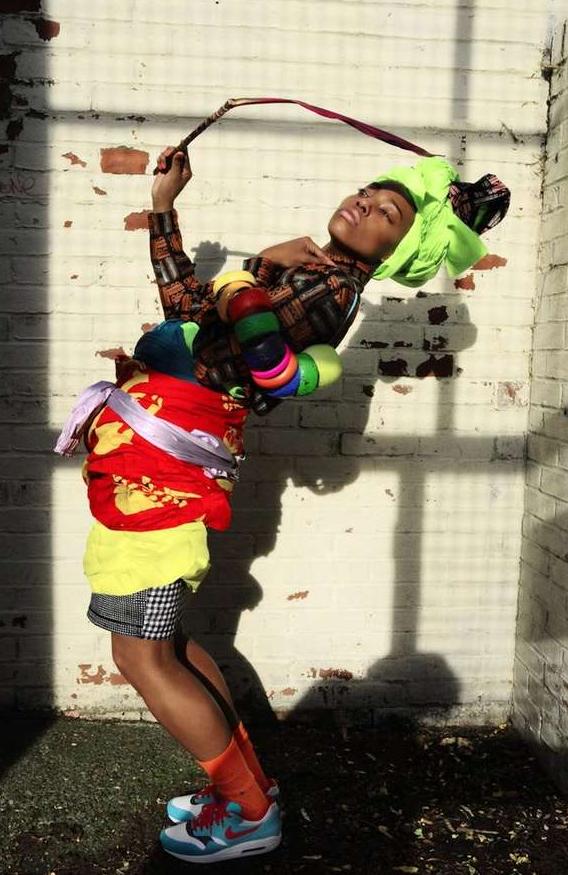 moa callejera street fashion style afro
